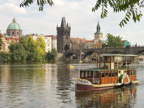 prague-river-boat-elbis